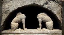 Вход в погребальный комплекс охраняют двухметровые химеры