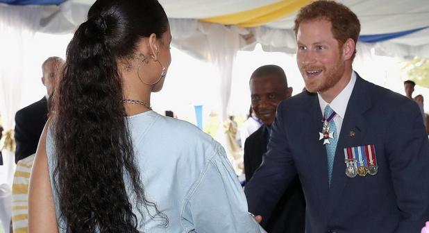 Принц Гарри побывал на праздничном приеме сРианной