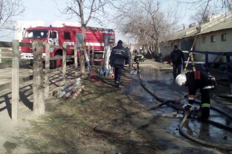Ликвидирован пожар вконюшне Одесского ипподрома