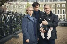 Аманда Аббингтон, Бенедикт Камбербэтч, Мартин Фриман на съемках четвертого сезона сериала «Шерлок». Фото: Robert Viglasky/Hartswood Films/PBS Masterpiece