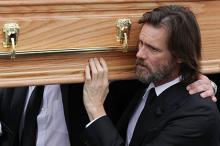 Джим Керри на похоронах Кэтрионы Уайт. Фото: Debbie Hickey / Getty Images