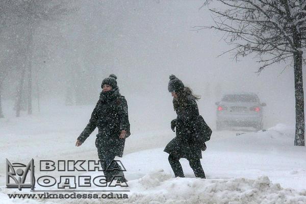 Снегопад: вОдесском аэропорту отменен ряд рейсов