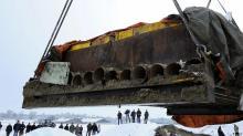 Хенебург. Извлечение и транспортировка погребальной камеры в стальном «футляре». Фото: Deutsche Welle