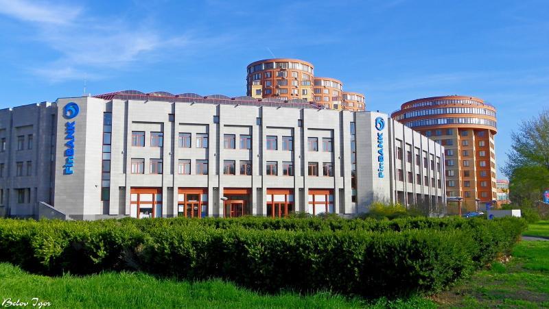 ВУкраинском государстве уже четвертый банк объявил осамоликвидации