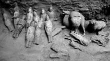 Глиняные статуэтки, найденные в могиле супружеской пары