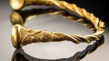 Золотой торк из Стаффордшира. Фото: РА