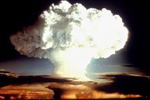 Испытания ядерной бомбы в США, 1954 год. Фото: STR New / Reuters