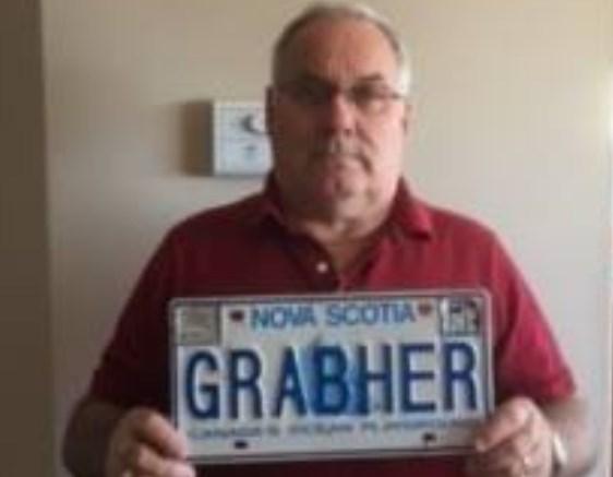 Фамилию канадца сочли «оскорбительной» иотняли именной номер для авто
