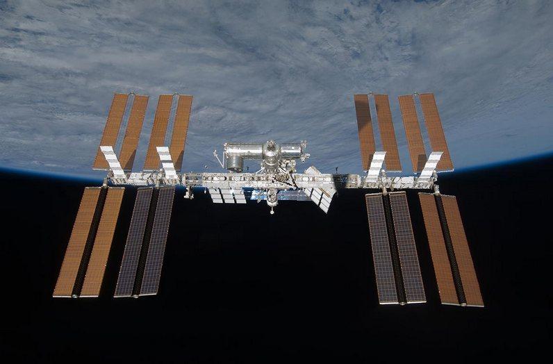 Космический фургон будет долго лететь наМКС