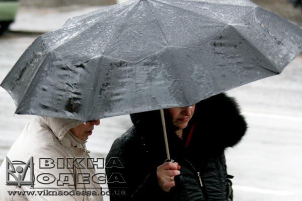 ВОдессе объявили штормовое предупреждение