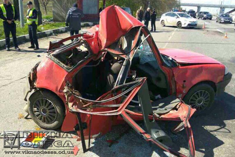 ВОдесской области при столкновении пассажирского автобуса ииномарки умер ребенок