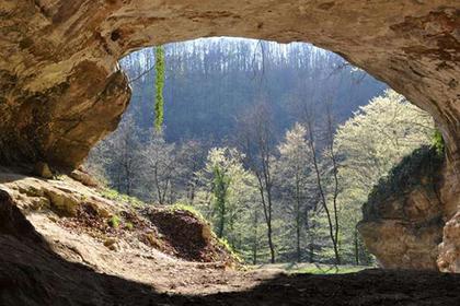 Ученые научились находить ДНК старинных людей наполу пещер