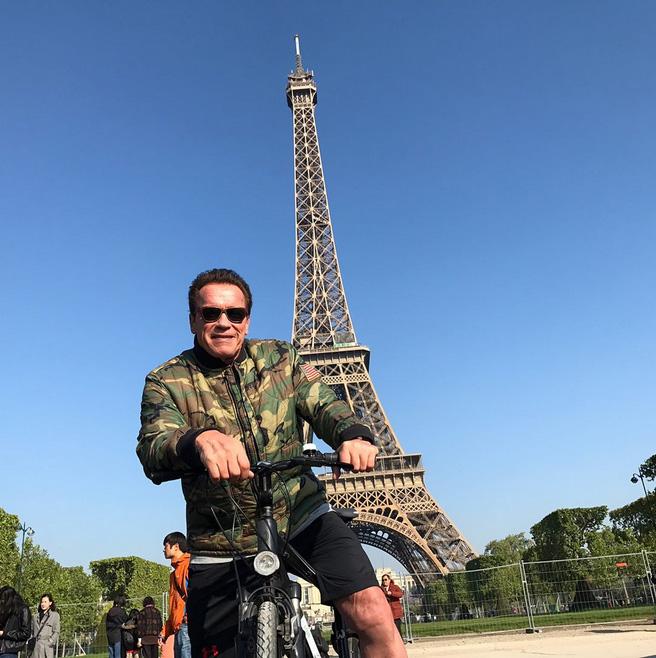 Шварценеггер «испортил» эпизод  туристам встолице франции