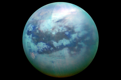 NASA опубликовало кадры облаков наспутнике Сатурна