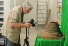 Археолог Джеймс Адовазио, один из авторов работы. Фото: Florida Atlantic Universitys Harbor Branch Oceanographic Institute