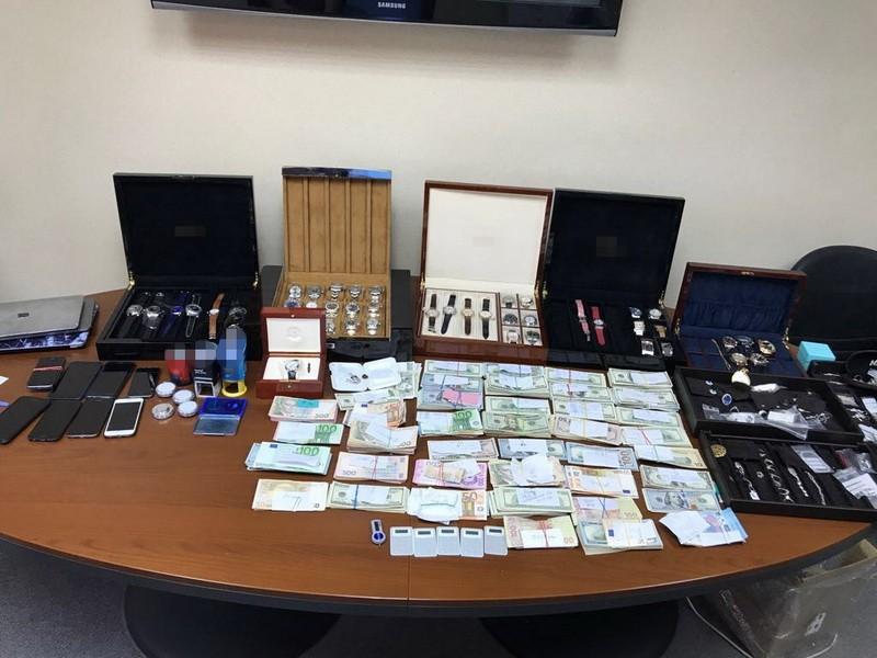ВОдессе положили конец валютным махинациям надесятки млн грн