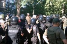 Суд охраняют полицейские и нацгвардейцы. Фото: Главное управление Национальной полиции в Одесской области