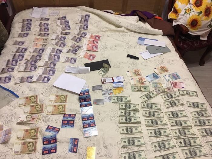 ВОдессе руководство областной дирекции «Укрпочты» уличили вовзяточничестве