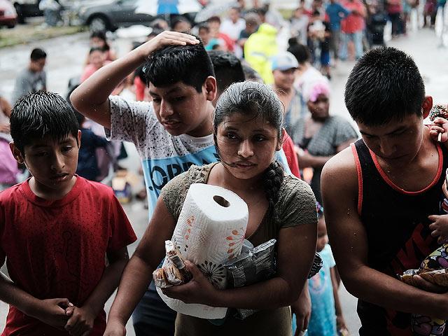 Белый дом приостанавливает прием беженцев из11 стран