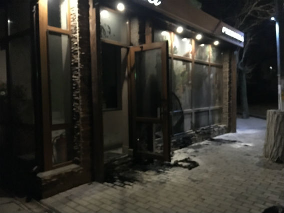 Неизвестный ночью поджёг пиццерию вцентре Белгорода-Днестровского