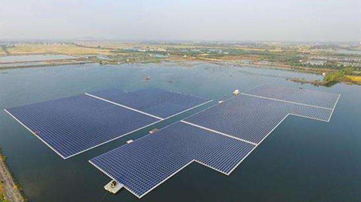 ВКитайской республике запустили крупнейшую вмире плавучую солнечную электростанцию
