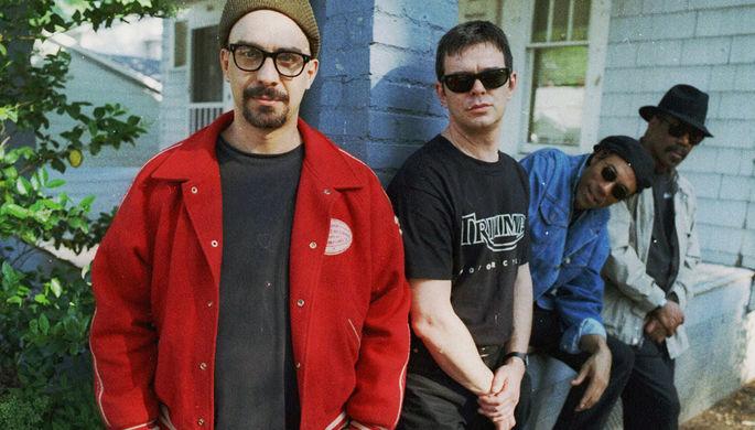 Фронтмен рок-группы The Smithereens скончался после падения