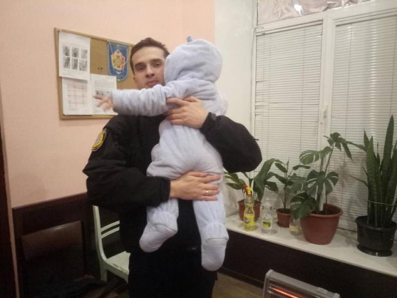 ВОдессе иностранец хотел вывезти 2-летнего ребенка вТурцию