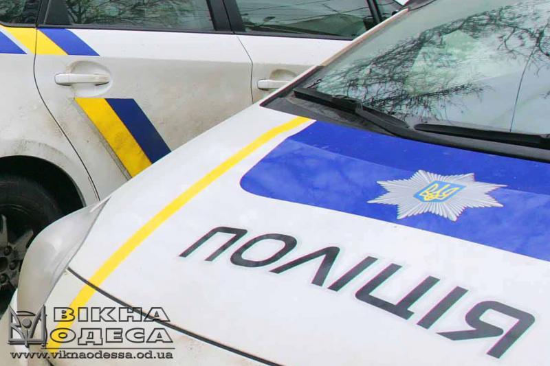 Одесские патрульные отговорили мужчину отсамоубийства