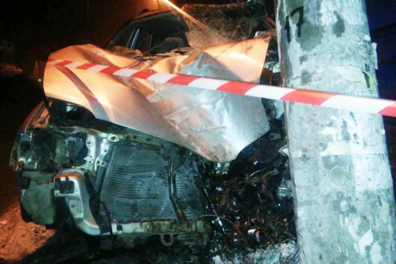 ДТП сосмертельным исходом: наодесском Фонтане «Mitsubishi» врезался встолб