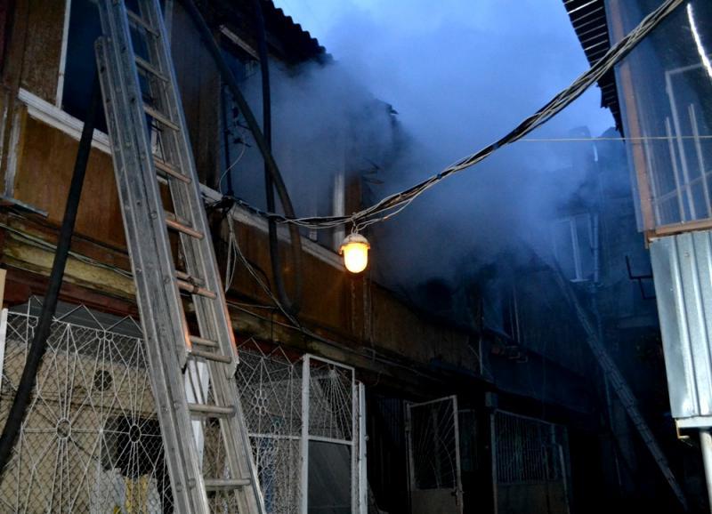 Из-за пожара вдоме вХарьковской области эвакуировали 50 человек, двое погибли