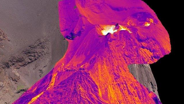 Профессионалы разработали первую трехмерную тепловую карту извергающегося вулкана