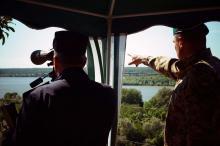 Пограничники на Дунае. Фото из архива
