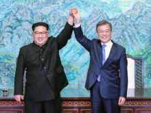 Ким Чен Ын и Мун Чжэ Ин. 27 апреля 2018 года.  Korea Summit Press/Getty Images