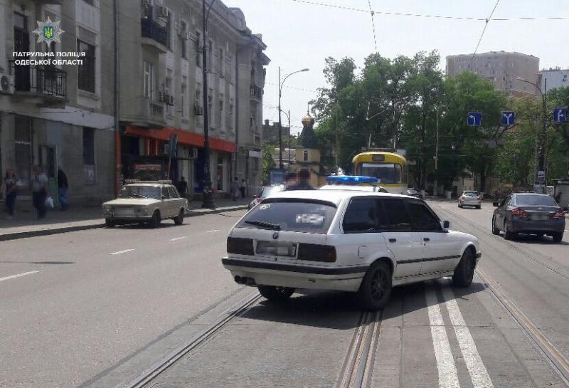 НаТираспольской сбили женщину: ееувезла скорая