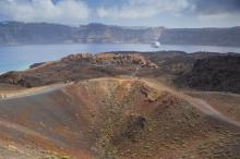Санторин (вулкан). Фото: Shutterstock