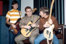 Джимми Джонсон (в центре) Фото: House Of Fame LLC / Michael Ochs Archives / Getty Images