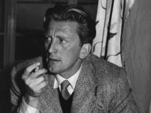 Кирк Дуглас в 1952 году. Getty Images/Express Newspapers