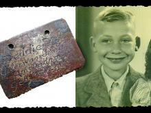 Дэди Зак и найденный медальон Фото медальона: Йорам Хаими. Фото Дэди Зака предоставлено Joods Monument