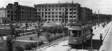 Пролетарский (Французский) бульвар, 12, на заднем плане «Дом специалистов», 1937 г.