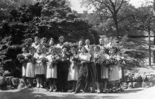 Возле грота Дианы, 1950-е годы