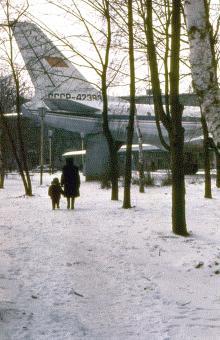 Самолет-кинотеатр в парке им. Горького, фотограф Игорь Алексеев, февраль 1985 г.