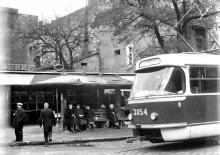Трамвайная остановка на ул. Чичерина (Успенской) угол ул. Свердлова (Канатной)