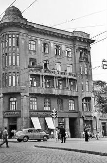 Дерибасовская угол Ленина (Ришельевской)