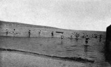 Купание в Андреевском лимане, июнь, 1912 г.