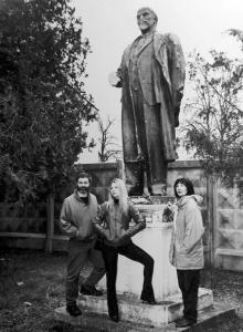 В пгт Таирово, 2000 г.