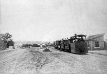 16-я станция Большого Фонтана, паровоз «Ванька-головатый» отправляется в город, конец 19 века