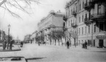 Ул. Дворянская, в глубине видно здание кирхи