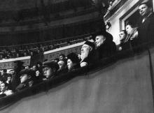 Академик В.П. Филатов с женой В.В. Скородинской в Одесском цирке, 1950-е годы