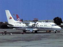 Самолет авиакомпании «Одесские авиалинии» в Одесском аэропорту, фотограф Andreas Himm, начало 2000 годов