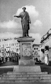 Одесса, памятник Дюку де-Ришелье, фотограф Л. Штерн, 1962 г.
